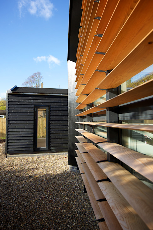 Detail of the front elevation of Bourne Lane eco-house in Kent Modern houses by Nash Baker Architects Ltd Modern Wood Wood effect