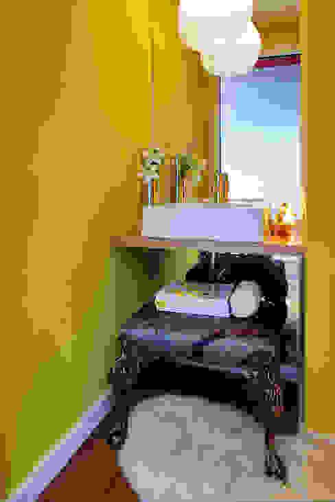 Modern bathroom by Susana Camelo Modern