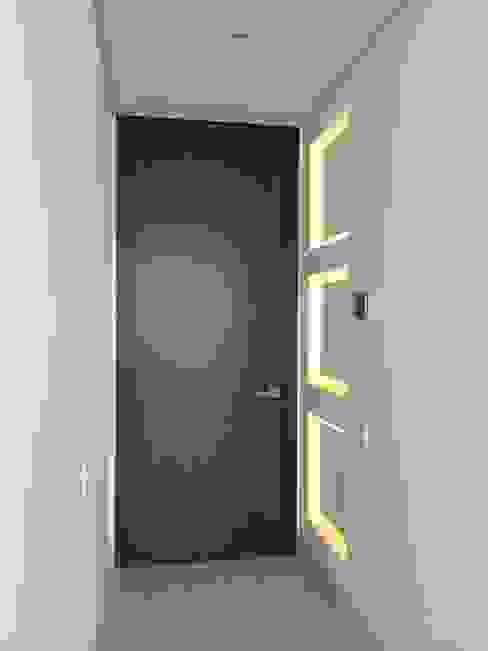 Modern Walls and Floors by RCRD Studio Modern