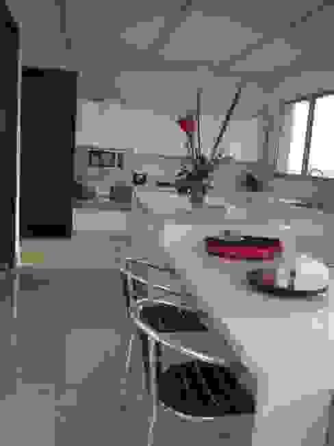 GRATTACIELO Cocinas modernas de RCRD Studio Moderno