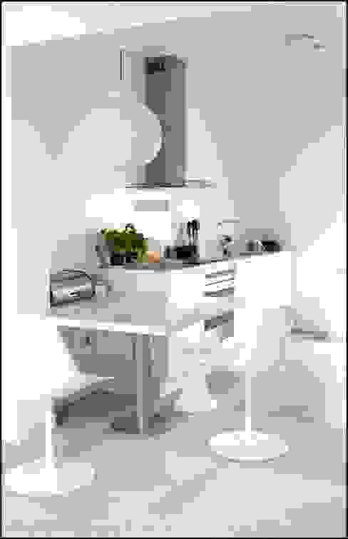 Cocinas modernas de Agence KP Moderno Plástico