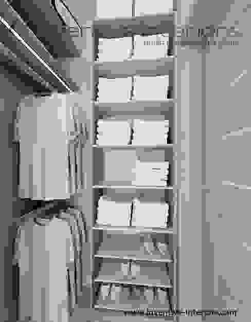 Vestidores de estilo  por Inventive Interiors,