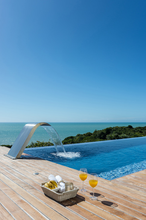 WR House Piscina in stile tropicale di Renata Matos Arquitetura & Business Tropicale