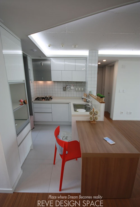 동탄아파트인테리어 시범다은마을 월드메르디앙 24평 인테리어: 디자인스튜디오 레브의  주방,모던