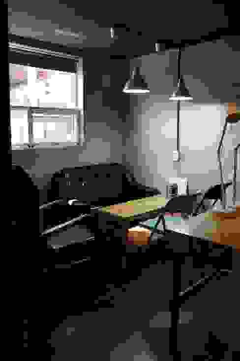 답십리 주택 모던스타일 서재 / 사무실 by atelier mandlda 모던
