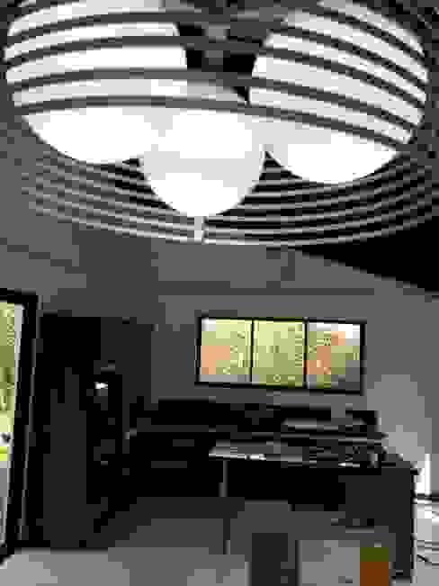 Salas de estilo moderno de Andrés Hincapíe Arquitectos A H A Moderno