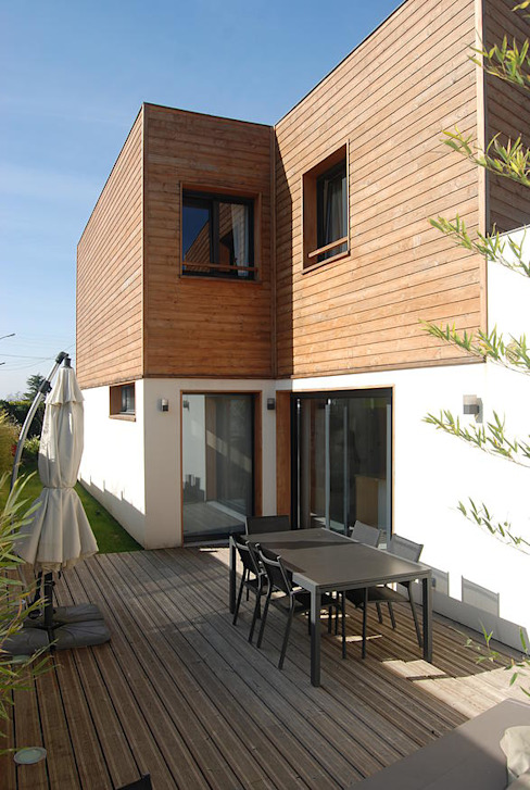 Modern houses by SARA Architecture Modern Wood Wood effect