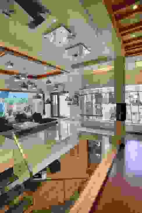 GAJENDRA YADAV'S RESIDENCE Modern living room by Spaces Architects@ka Modern