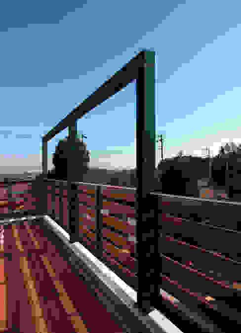 Hiên, sân thượng phong cách hiện đại bởi ユミラ建築設計室 Hiện đại