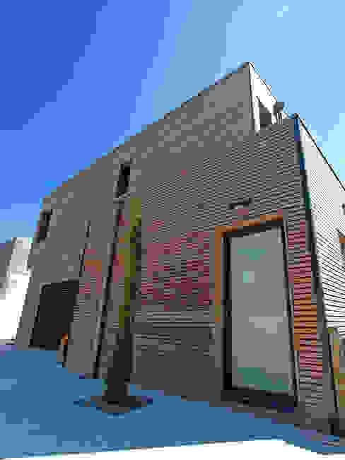 VILLA L.02 Maisons modernes par TRIBU ARCHITECTES Moderne