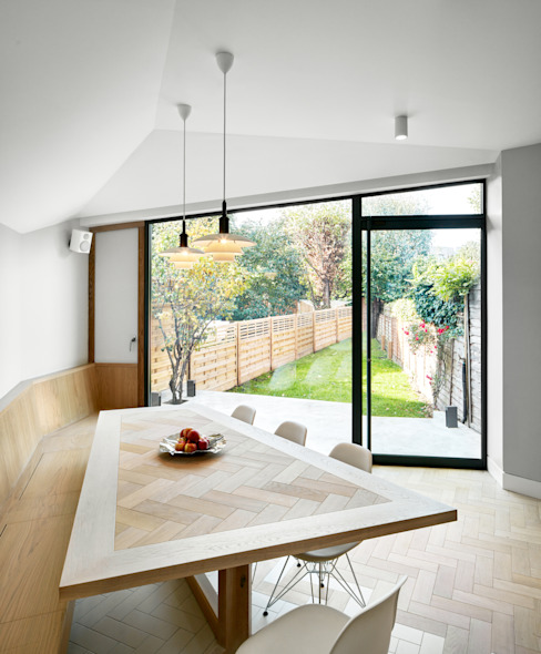 Facet House Modern Dining Room by Platform 5 Architects LLP Modern
