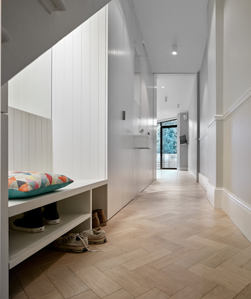 Facet House Modern corridor, hallway & stairs by Platform 5 Architects LLP Modern