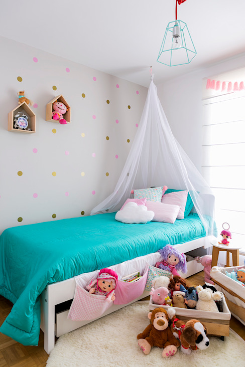 Chambre d'enfant moderne par Little One Moderne