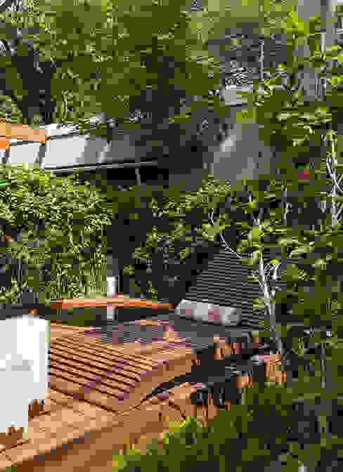 Garden by Eliane Mesquita Arquitetura, Modern