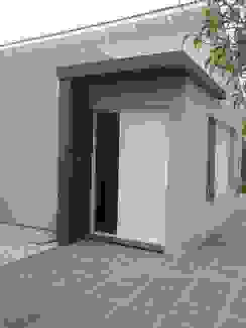 Casas de estilo  por Estudio de arquitectura Lasala Mariana, Moderno