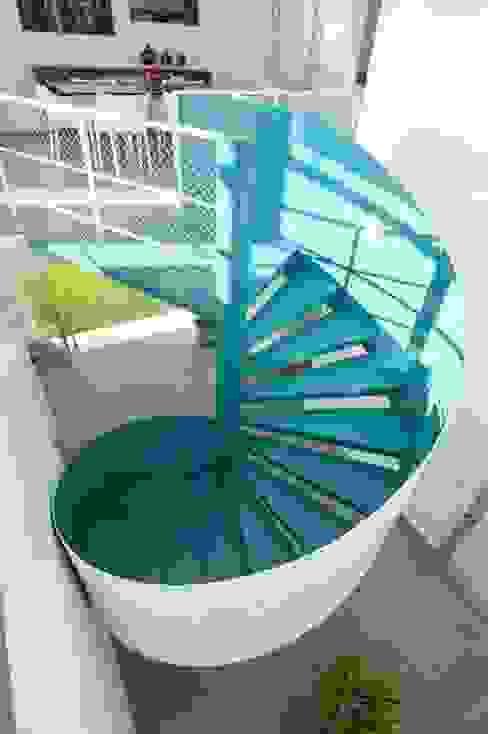 Proyectos de interiorismo varios Couloir, entrée, escaliers modernes par estudio 60/75 Moderne