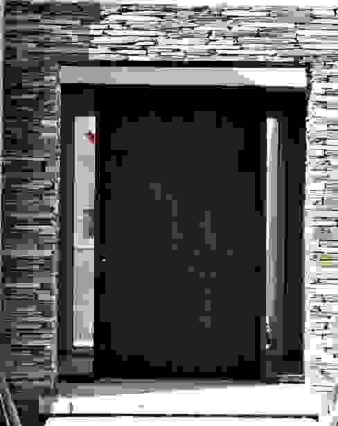 Casa Araoz Puertas y ventanas modernas de Arquitectura + Deco Moderno
