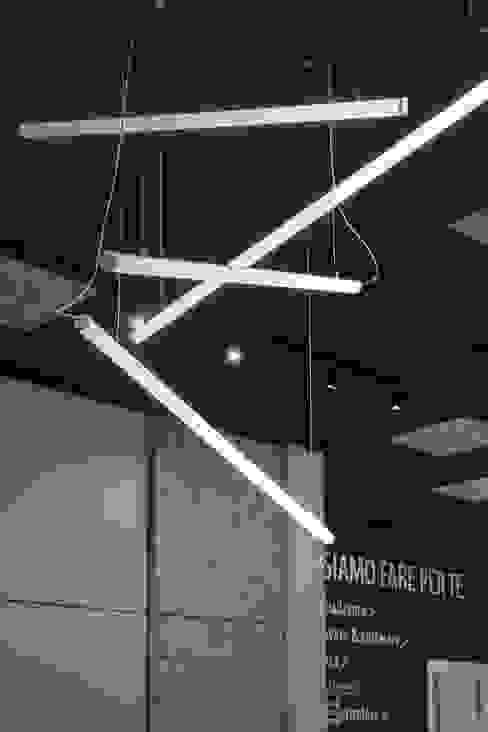Led Marg Studio Negozi & Locali commerciali in stile minimalista