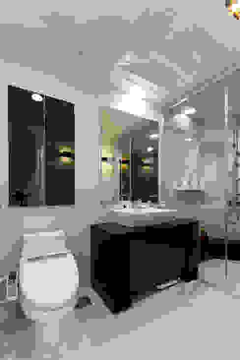 소공동 남산롯데캐슬 47평: dual design의  욕실,모던