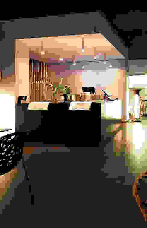 Profumi dal Giappone a Pordenone: Gastronomia in stile  di Design Legno Falegnameria Artigianale