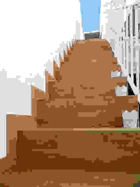 Escalera terraza de scala-proyectos Escandinavo