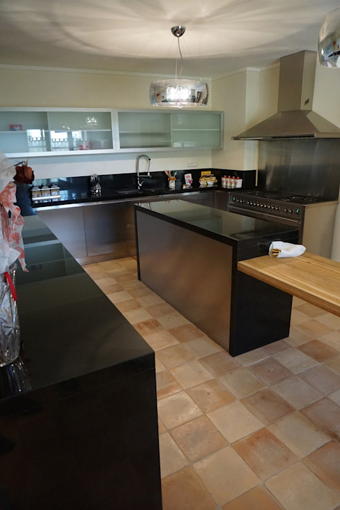 Projekty,  Kuchnia zaprojektowane przez Studio Zaroli, Wiejski