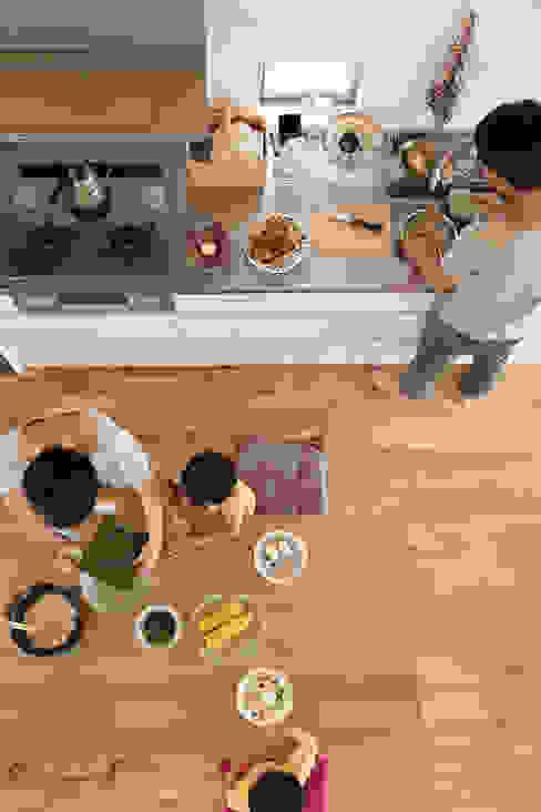 Comedores de estilo moderno de nano Architects Moderno Madera Acabado en madera