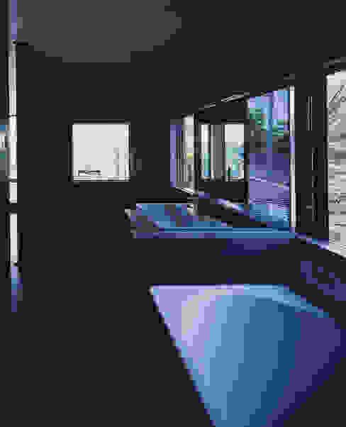 枚方の家 株式会社CAPD モダンスタイルの お風呂