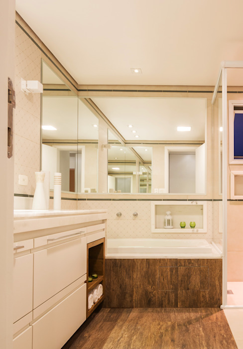 Enzo Sobocinski Arquitetura & Interiores Modern style bathrooms Engineered Wood Wood effect