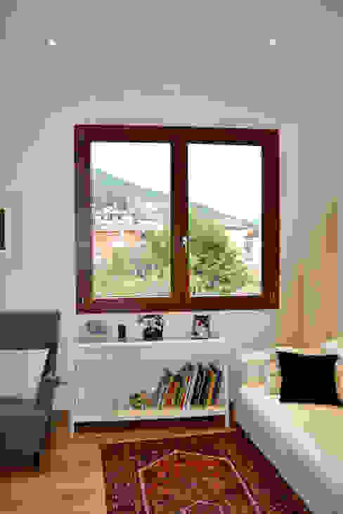 Finestra Finestre & Porte in stile moderno di MC4 - Marco Cantini Architetto Moderno