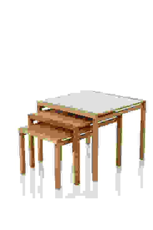 в современный. Автор – LLUSSÁ Mobiliário de design, Модерн Дерево Эффект древесины