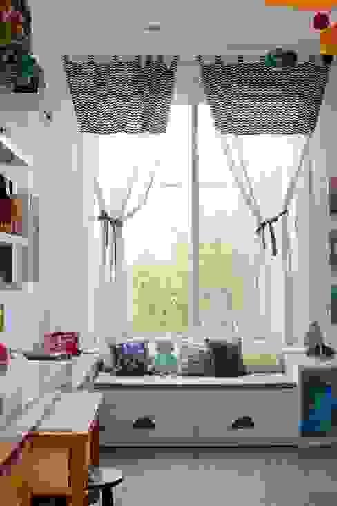 Cuartos infantiles de estilo moderno de Nina Moraes Design Infantil Moderno
