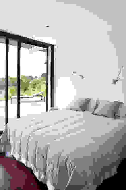 Villa C1 Chambre moderne par frederique Legon Pyra architecte Moderne