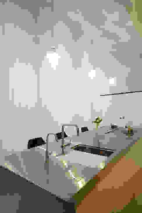 キッチン: Mimasis Design/ミメイシス デザインが手掛けたキッチンです。,モダン