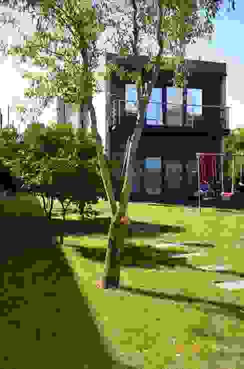Private house building in Lousada (Portugal) Jardins modernos por Dynamic444 Moderno
