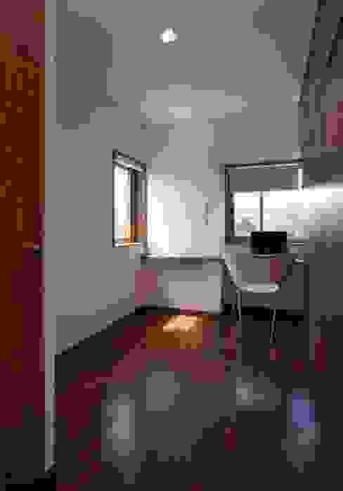 Uwano House: 株式会社シーンデザイン建築設計事務所が手掛けた子供部屋です。,ミニマル