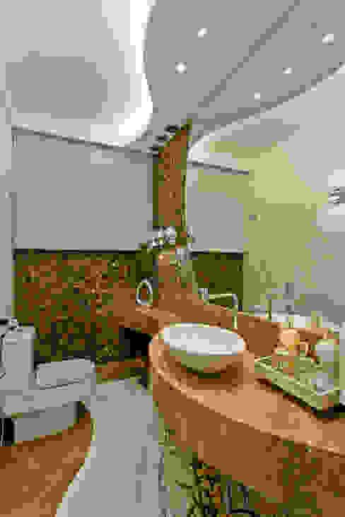 Ванные комнаты в . Автор – Arquiteto Aquiles Nícolas Kílaris,