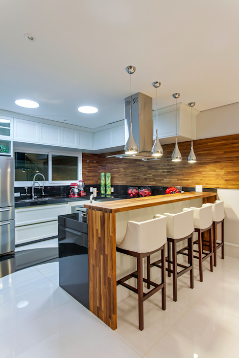 Modern kitchen by Arquiteto Aquiles Nícolas Kílaris Modern Wood Wood effect