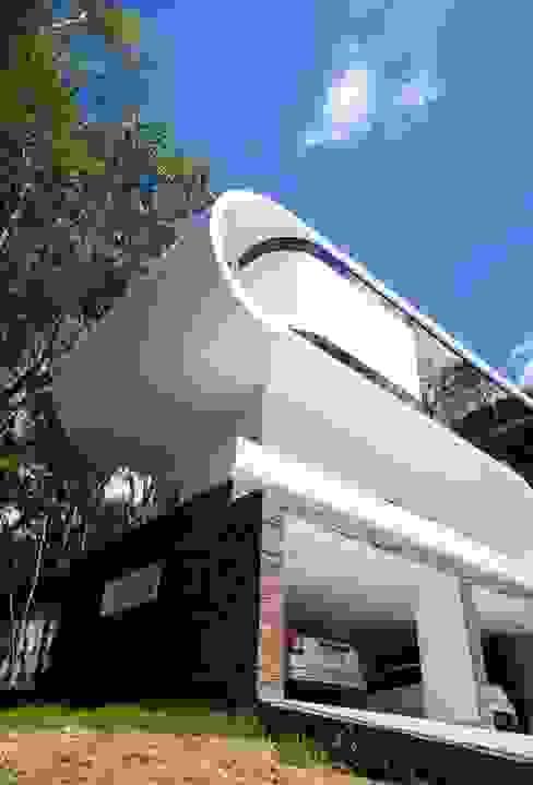 RESIDÊNCIA EM CURITIBA/PR Casas modernas por LimaRamos & Arquitetos Associados Moderno
