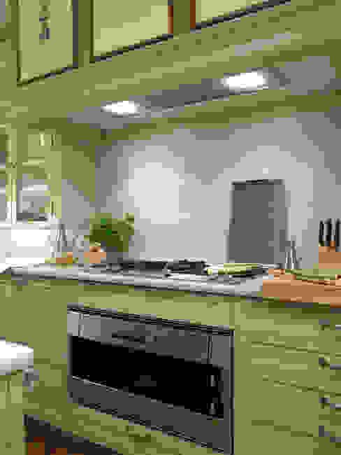 Área de cocción (fuegos modulares y horno), todo de Gaggenau Cocinas de estilo clásico de DEULONDER arquitectura domestica Clásico