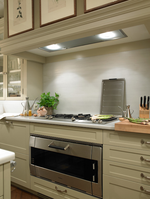 廚房 by DEULONDER arquitectura domestica, 古典風