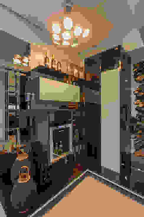 Adega por Studio² Moderno Derivados de madeira Transparente