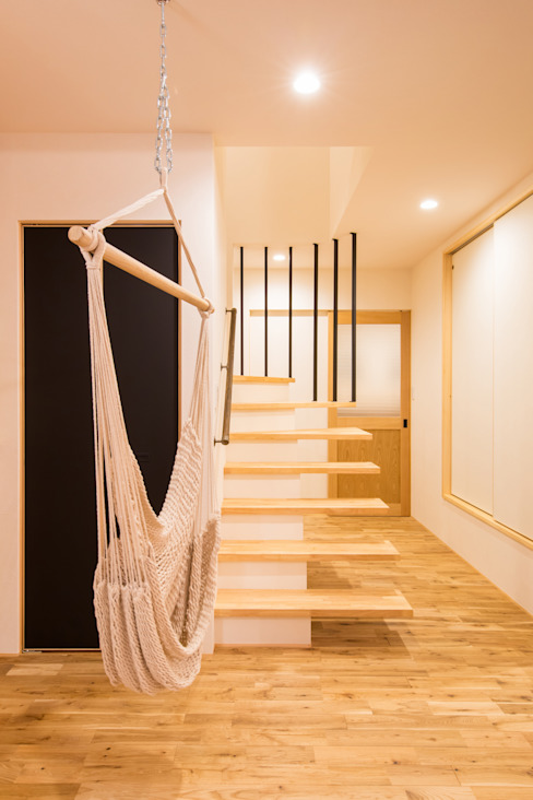株式会社ルティロワ 一級建築士事務所 Modern corridor, hallway & stairs