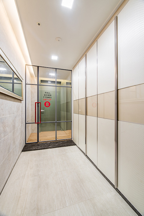 Koridor & Tangga Modern Oleh 아르떼 인테리어 디자인 Modern