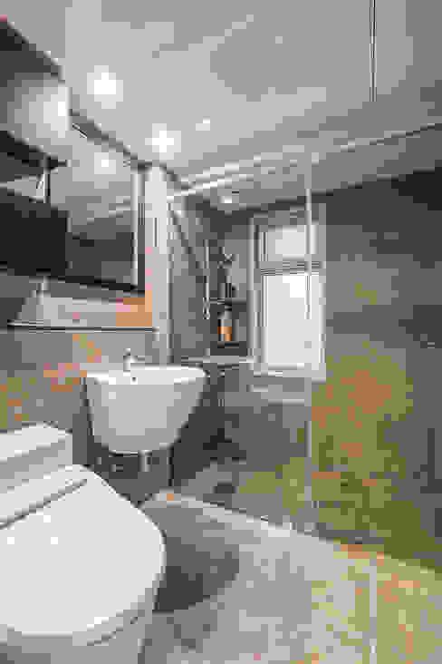 수원시 영통구 이의동 자연앤자이아파트 (48평형): 아르떼 인테리어 디자인의  욕실,모던