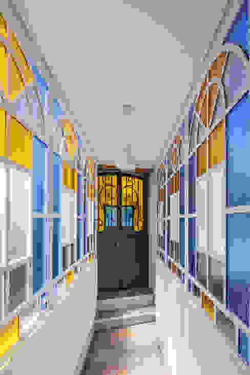 Hotel moderni di Floret Arquitectura Moderno