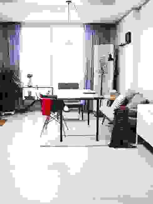 전셋집 4년 셀프인테리어 self interior : 13월의 블루 의  거실,인더스트리얼
