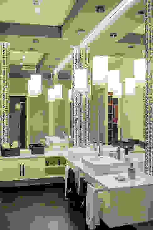 Mediterranean style bathrooms by SENZA ESPACIOS Mediterranean
