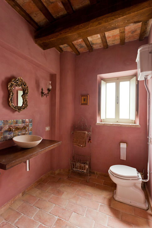 Bathroom by Ing. Vitale Grisostomi Travaglini, Rustic