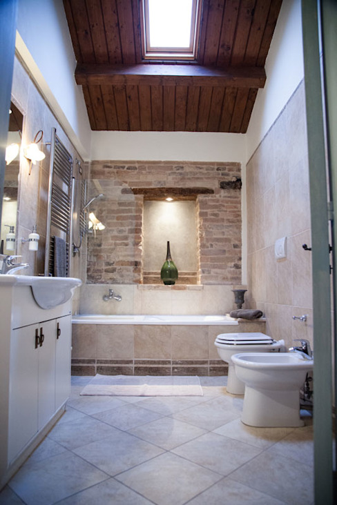 Rustic style bathrooms by Ing. Vitale Grisostomi Travaglini Rustic